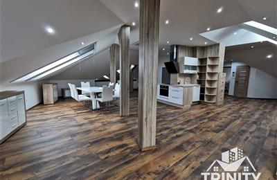 5-Zimmer-Wohnung und größer, Verkauf (Angebot), Nesvady - Obchodná ulica
