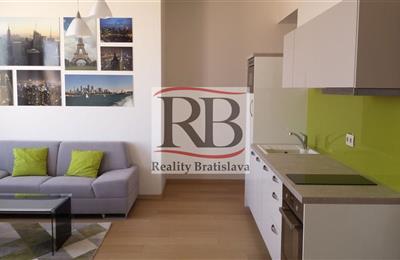 Andere Wohnung, Vermietung (Angebot), Bratislava - Staré Mesto - Landererova