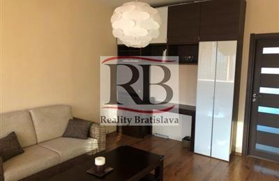 Three-bedroom apartment, Sale, Bratislava - Lamač - Bakošova