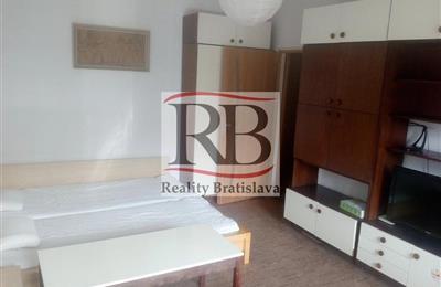 Byt 1+1, Pronájem, Bratislava - Karlova Ves - Karloveská