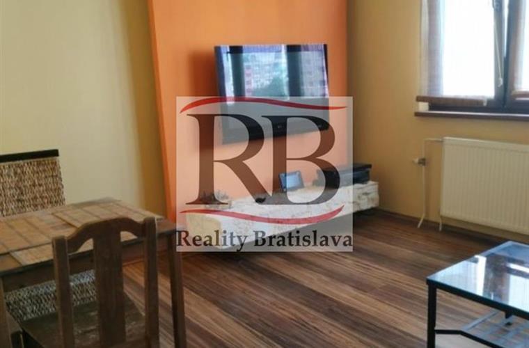 4-izb. byt, Predaj, Bratislava - Petržalka - Lenardova