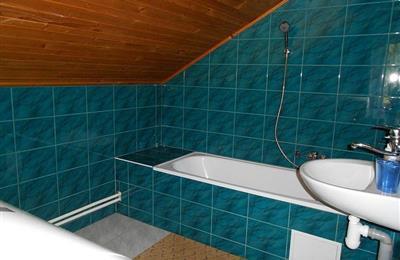 kúpeľňa na poschodí 2.jpg