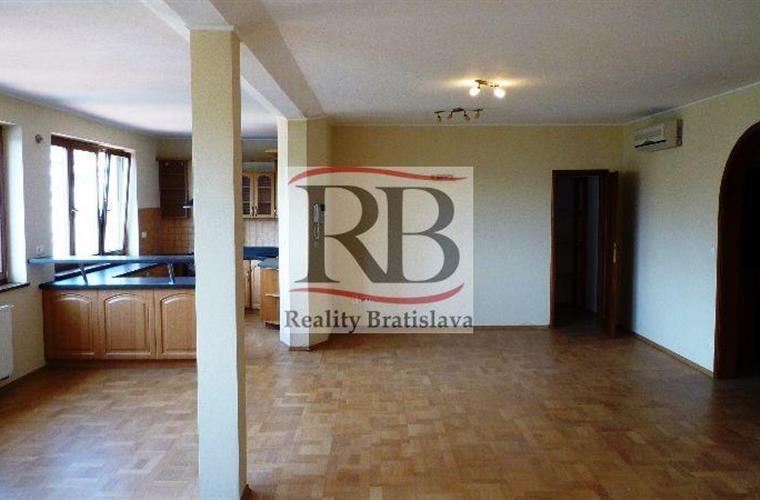 Byt 5+1 a větší, Prodej, Bratislava - Staré Mesto - Štefánikova