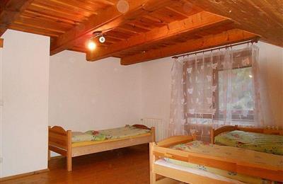 izba 3 na poschodí - 2.jpg