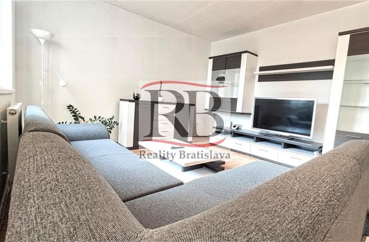 Byt 2+1, Pronájem, Bratislava - Ružinov - Čečinová