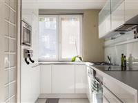 Pronajmeme 3.izbový byt, 95m2, komplet luxusně moderně zařízený, zcela v centru BA, Měděná ulice 1x terasa, 2xloggia