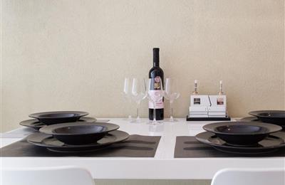 kuchyna stol.jpg