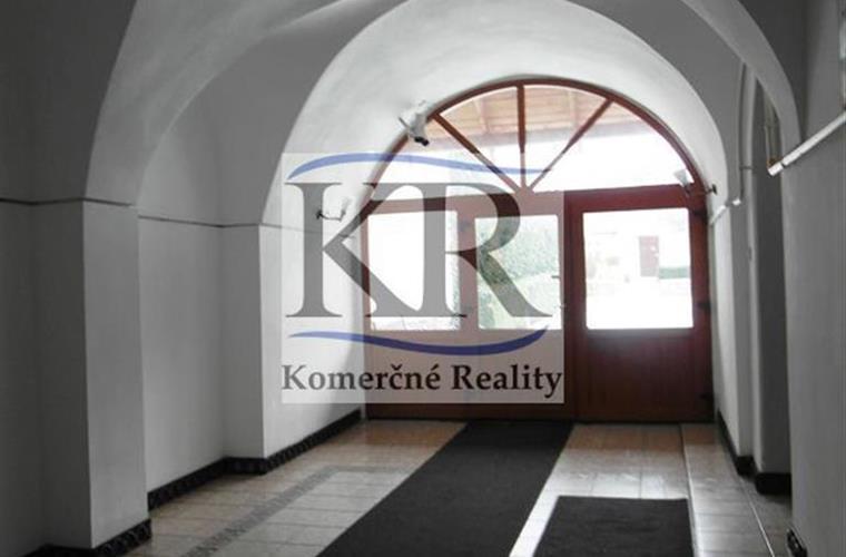 Kancelárie, administratívne priestory, Prenájom, Trnava - Kapitulská