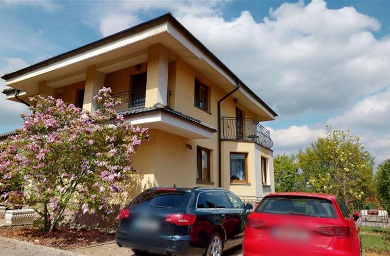 Rodinný dům, Prodej, Bratislava - Nové Mesto - Sliačska