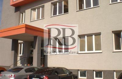 Irodák, adminisztrációs helységek, Bérlet, Bratislava - Ružinov - Trenčianska
