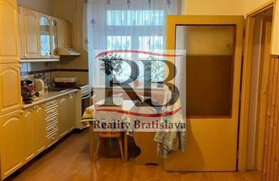 Byt 2+1, Prodej, Bratislava - Staré Mesto - Murgašova