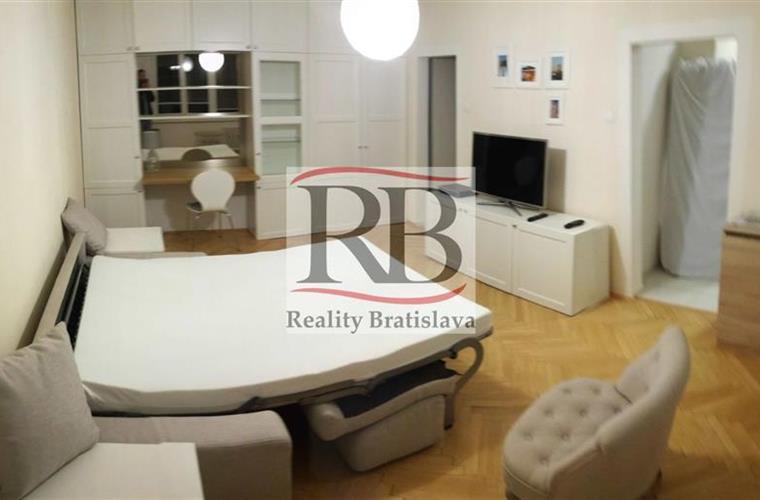 Byt 1+1, Pronájem, Bratislava - Nové Mesto - Mikovíniho