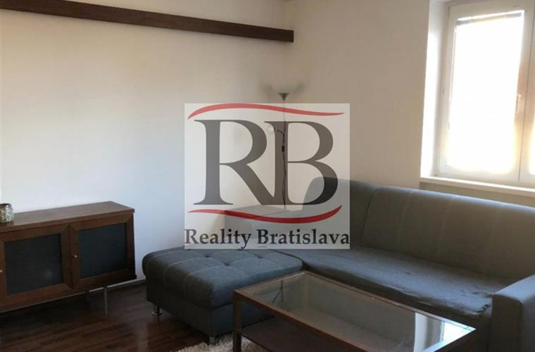 Byt 1+1, Pronájem, Bratislava - Staré Mesto - Konventná