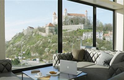 Büros, Verwaltungsräume, Vermietung (Angebot), Bratislava - Staré Mesto - Rybné nám. - Hotel Park Inn Rybné námestie