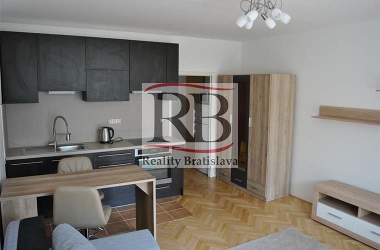 Einraumwohnung, Vermietung (Angebot), Bratislava - Petržalka - Fedinova