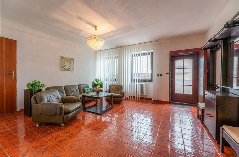 5-Zimmer-Wohnung und größer, Verkauf (Angebot), Bratislava - Dúbravka - Talichova