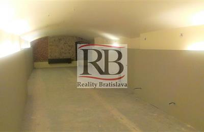 Obchodní prostory, Pronájem, Bratislava - Staré Mesto - Hurbanovo námestie